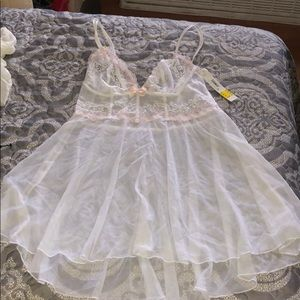 NEW WITH TAGS DKNY lace white and pink chemise